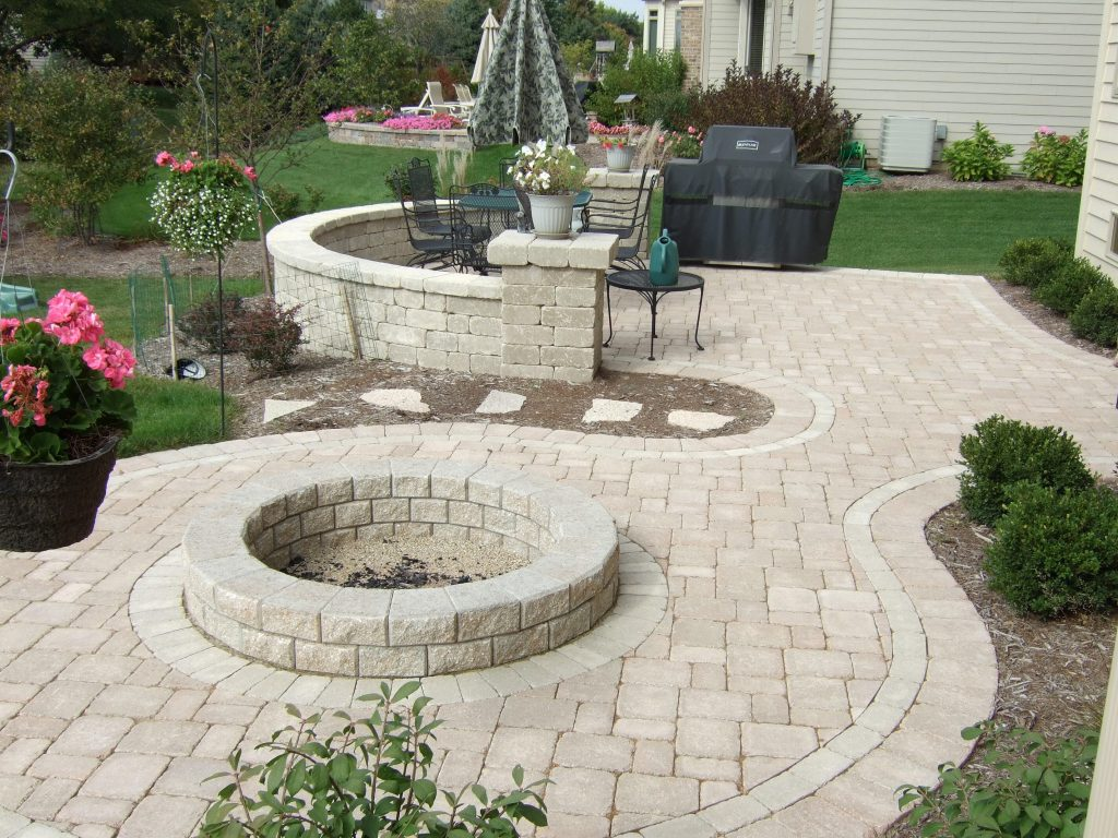 Your Patio Will Provide The Foundation For Your Outdoor Living Space, It  Will Need To Be Durable, Well Constructed And Attractive.